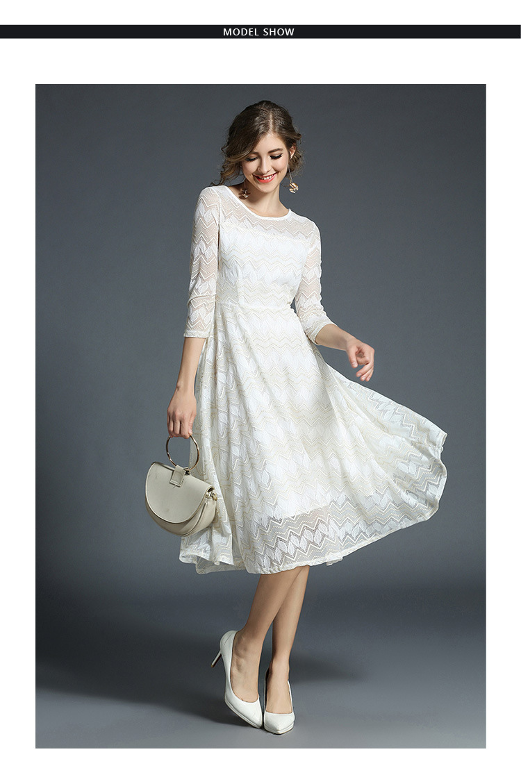 (มี XL)เดรสสีขาว เดินดิ้นทองสลับลายนะคะ งานสวยจ้า ผ้านิ่มงานดีมีน้ำหนัก เรียบร้อยและดูดีจ้า มีซับใน ซิปหลัง ออกงานได้จ้า