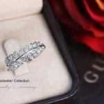 แหวนใบมะกอกประดับเพชร CZ (หุ้มทองคำขาว)