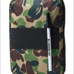 (พร้อมส่ง) กระเป๋า A BATHING APE® IPad Mini, Multi Storage Case x Smart Magazine (スマート)