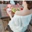 เดรสสีขาว สไตล์ปาดไหล่ งานสวยลายฉลุหวานน่ารักมากกกกก ถ่าย pre-wed ถ่ายชิวทะเลได้เลยจ้า แบบสวม เอวสมอค thumbnail 5